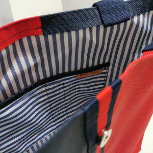 Bolso Laredo color azul y rojo vista detalle