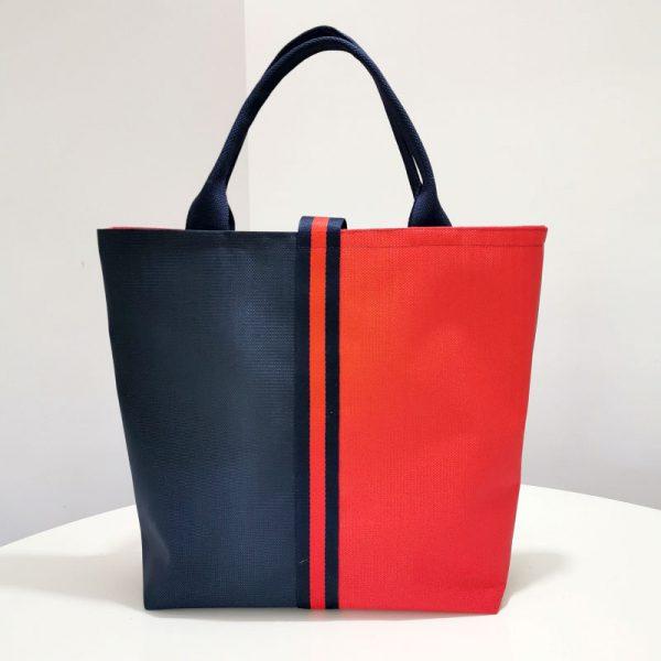Bolso Laredo color azul y rojo vista espalda