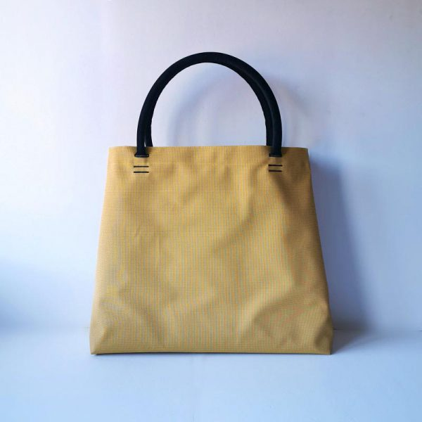 Bolso Samoa shopping color mostaza vista espalda